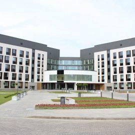 фасад корпуса в Ждановичах